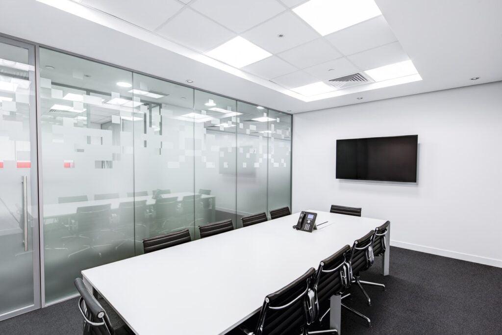 Compartimentări cu sticlă securizată birou - Fereastra De TOP - Total Prof Design